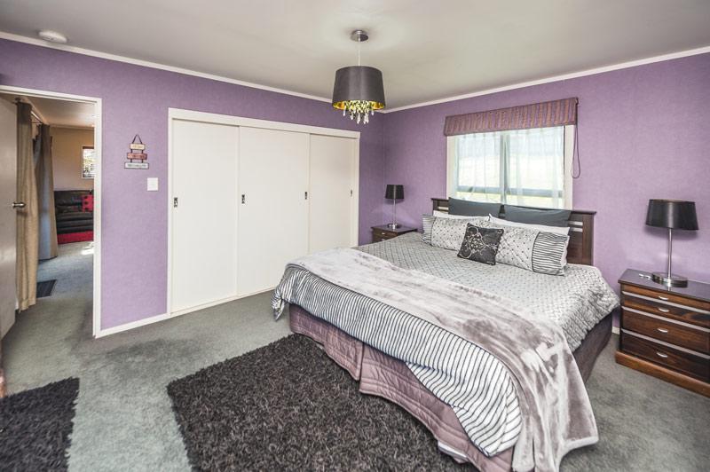 poolside-sep-bedroom